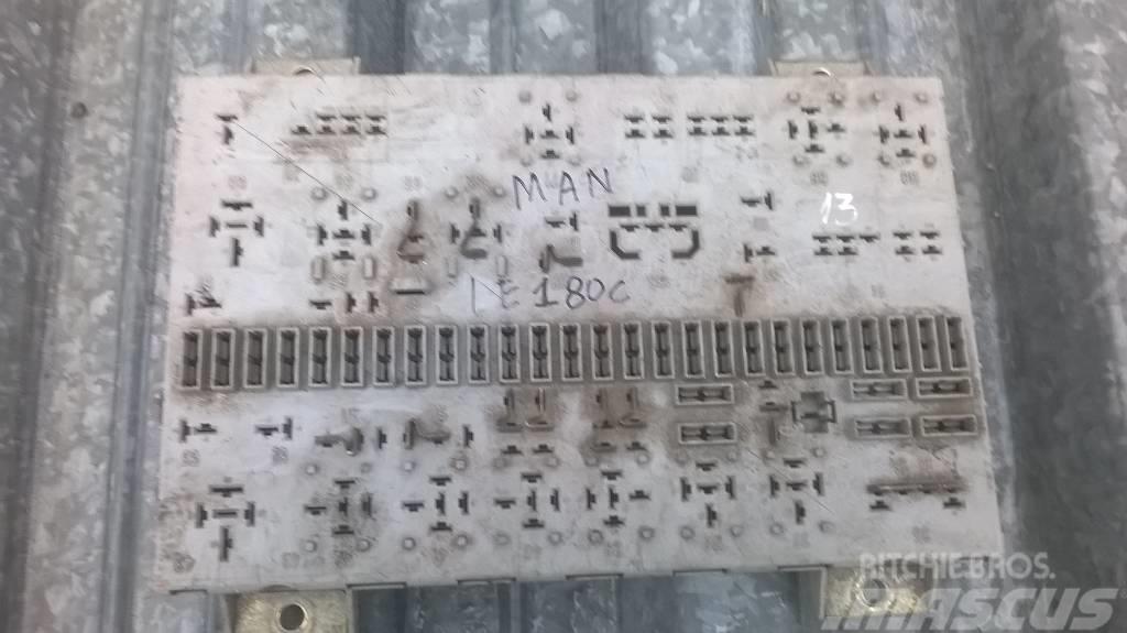 MAN LE180C fuse block