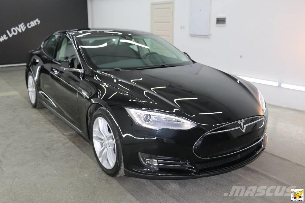 tesla s85d occasion prix 42 610 ann e d 39 immatriculation 2015 voiture tesla s85d vendre. Black Bedroom Furniture Sets. Home Design Ideas