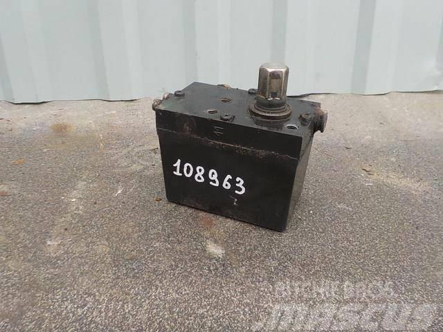 Renault Premium II Cabin tilting pump 5010316404 676009 74