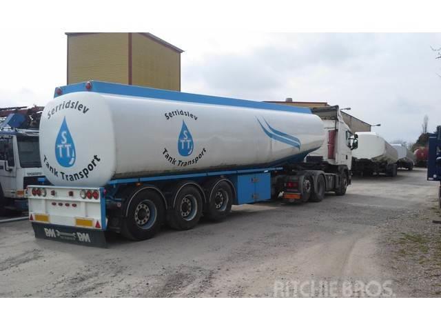 Kässbohrer Tank 45000 Liter fuel pomp