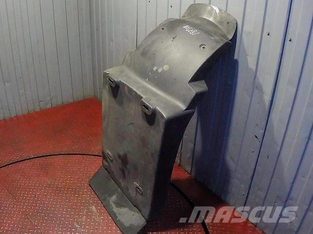 Volvo FH Fender front / rear part 20453900 T730017