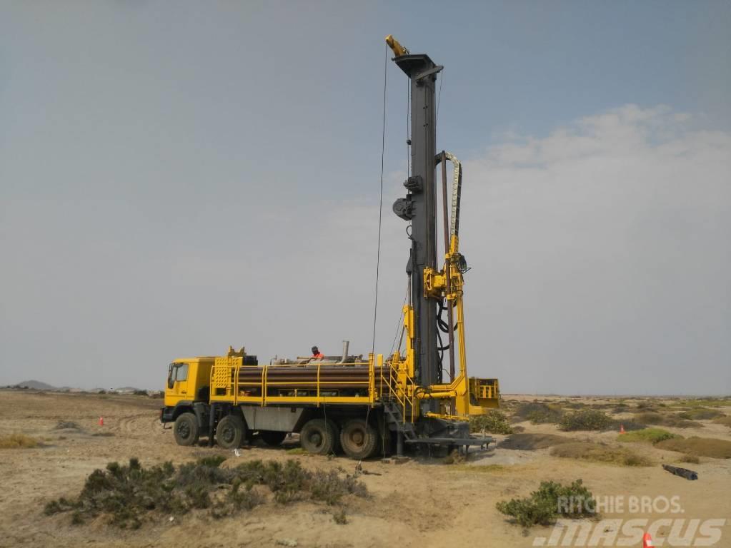 Epiroc Diamondback 8x8 Waterwell Drill Rig