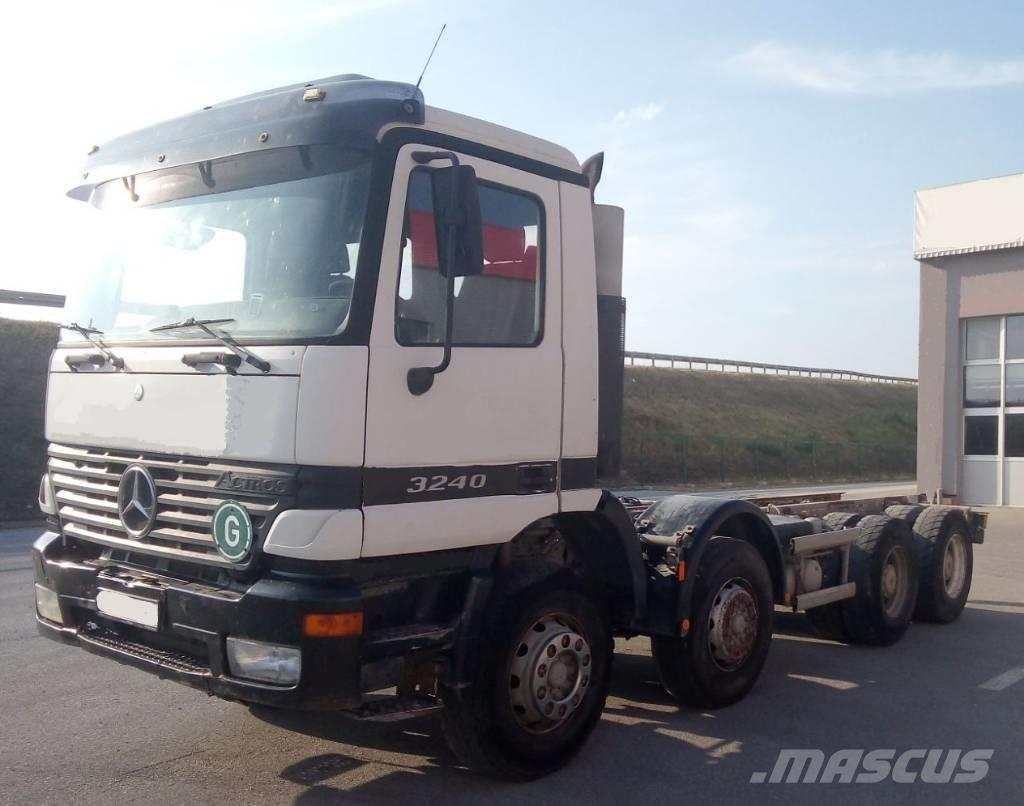 Mercedes-Benz ACTROS 3240 8x4 CHASSIS