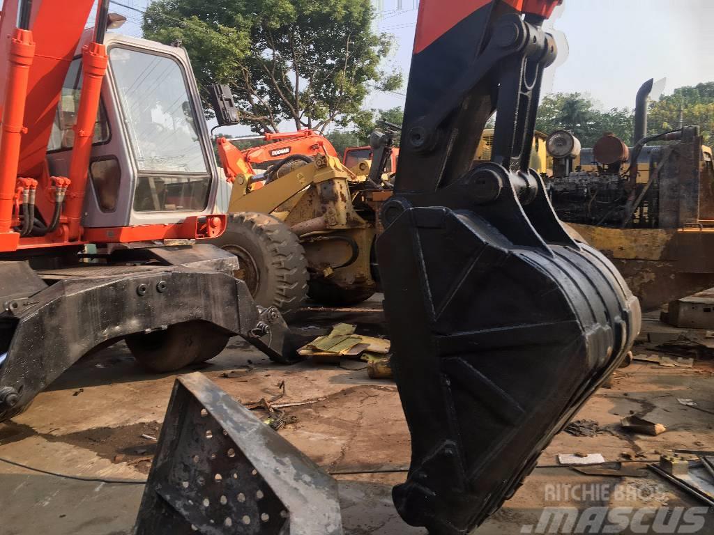 Hitachi Hitachi ex160 wheel excavator for sale
