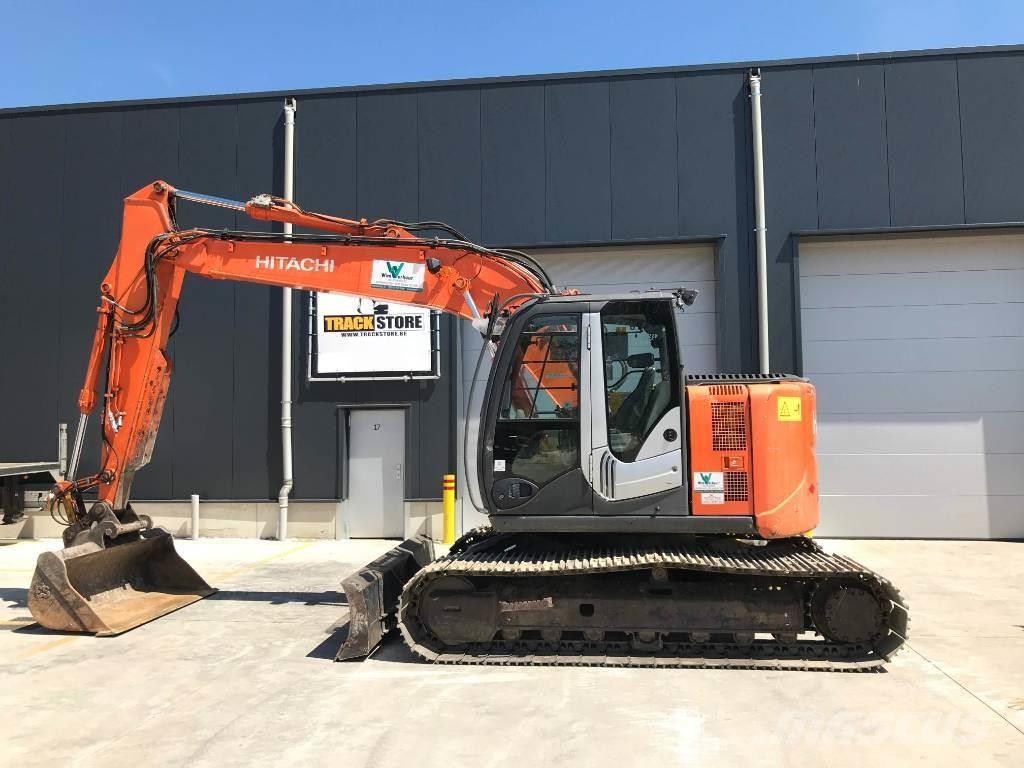 Hitachi ZX 135 US-3