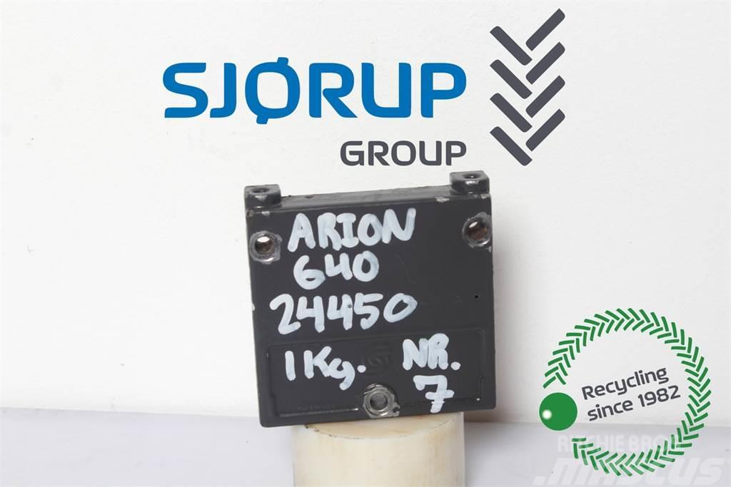 CLAAS Arion 640 Remote control valve