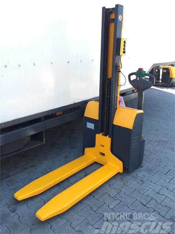 used jungheinrich emc 110 narrow aisle truck year 2011. Black Bedroom Furniture Sets. Home Design Ideas