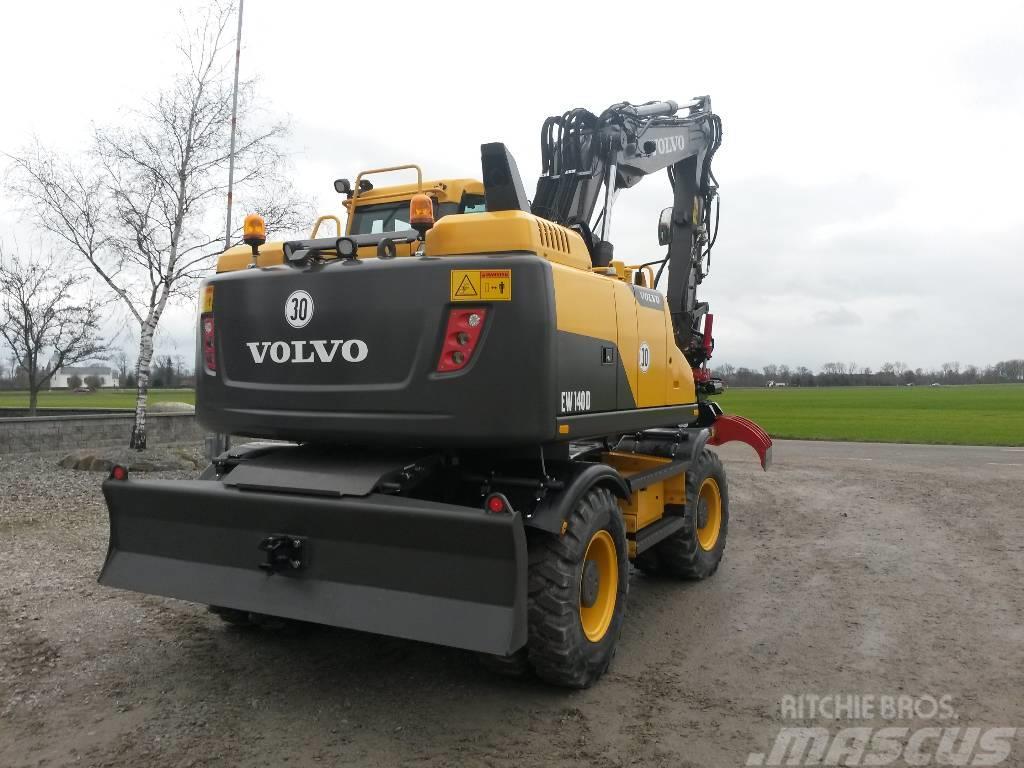 Volvo EW 140 D, Uthyres