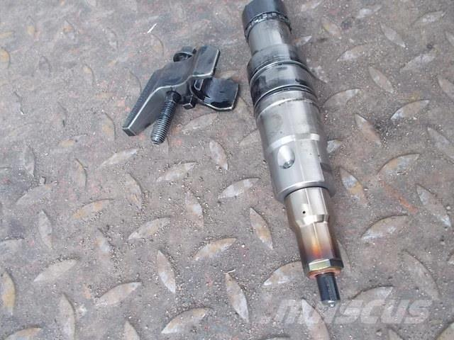 Scania P,G,R series Fuel injector 2086663 2031836