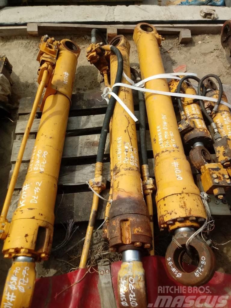 Liebherr Siłownik Liebherr Hydraulic cylinder 142 75 70
