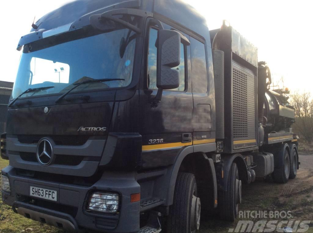 Mercedes-Benz 3236 Actros 8x4 High Volume Jet Vac Tanker