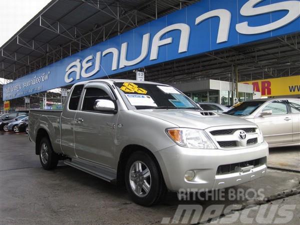 Toyota HILUX VIGO D4D EXTRACAB [E] 2.5 MT