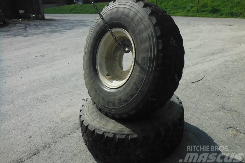 Michelin 395/85X20 912AB