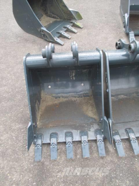 [Other] Excavator Bucket (66cm) 61M9-38000