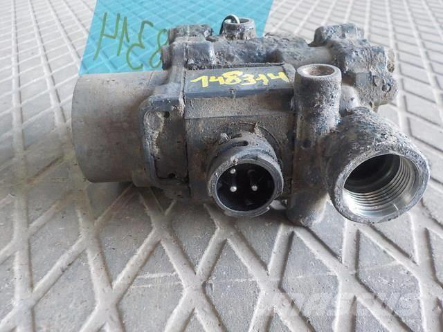 DAF XF105 ABS valve 1304635 4721950160 4721950090