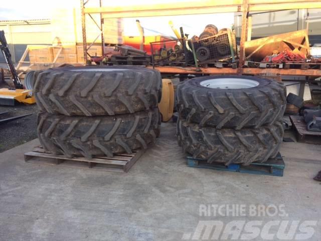 Massey Ferguson 16.9R28 WA & 20.8R38 WF