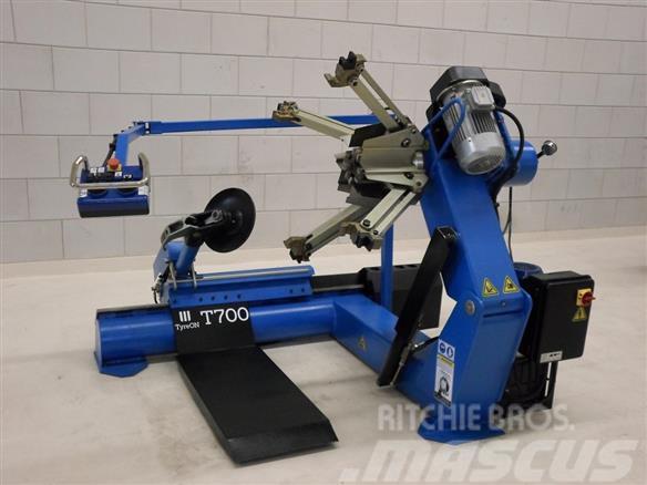 TyreOn T700 truck tyrechanger   SNS679