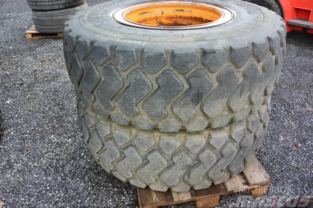 [Other] Hjul 2st kompletta hjul till lastmaskin