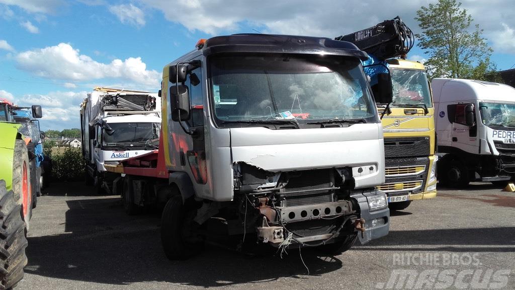 Renault dépanneuse RENAULT Premium 210.16 JIGE *ACCIDENTE*