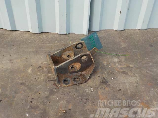 DAF XF 95 Anti-roll bar shackle bracket 1629925 145508