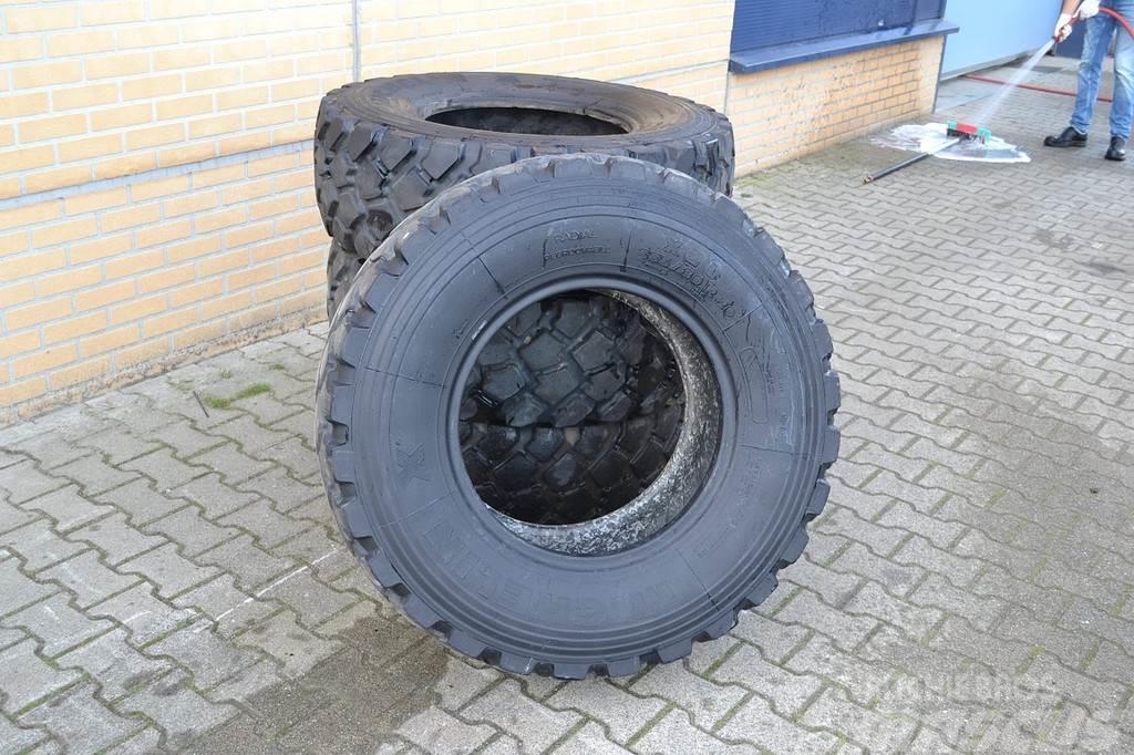 [Other] Banden - Michelin X