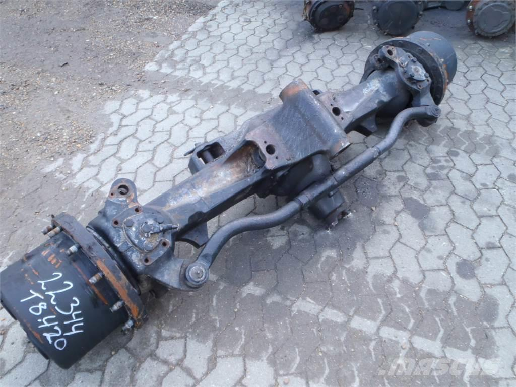 [Other] Front axle New Holland T8.420