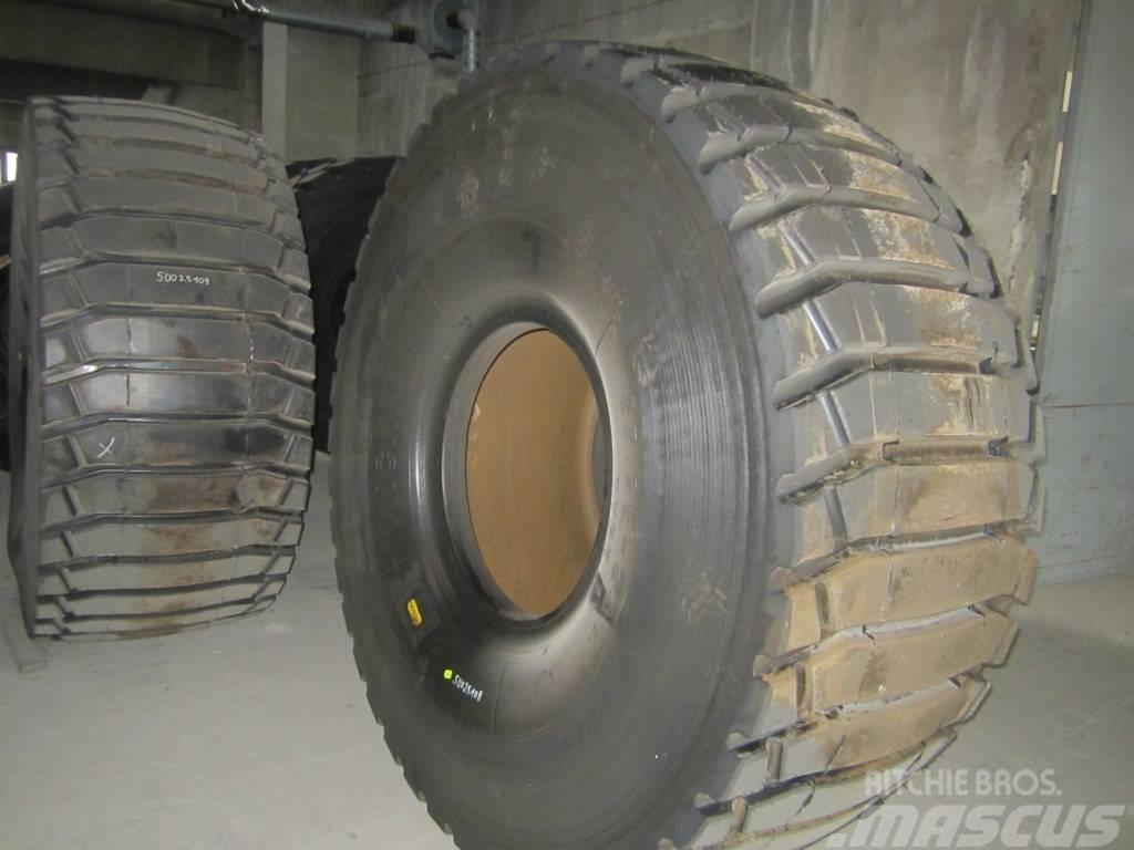 Michelin 2x runderneuert 33.25x29