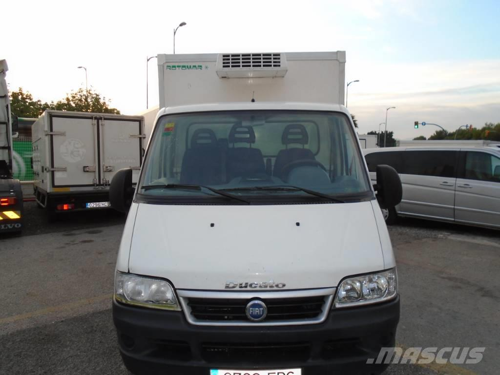 fiat ducato occasion prix 5 600 ann e d 39 immatriculation 2006 camion frigorifique fiat. Black Bedroom Furniture Sets. Home Design Ideas