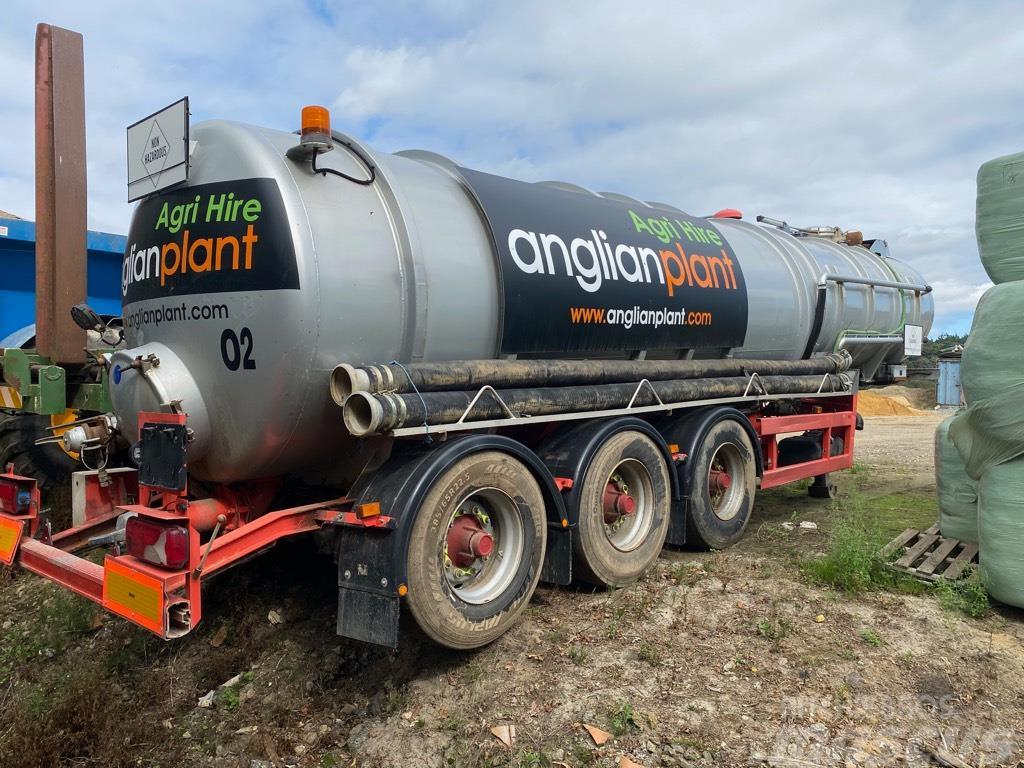 Claydon / Whale Tanker