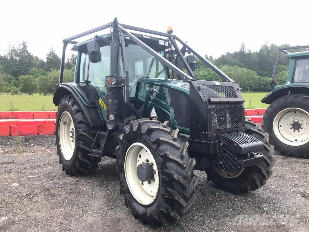 Valtra N113 Tractor with Twintrac Reverse Drive