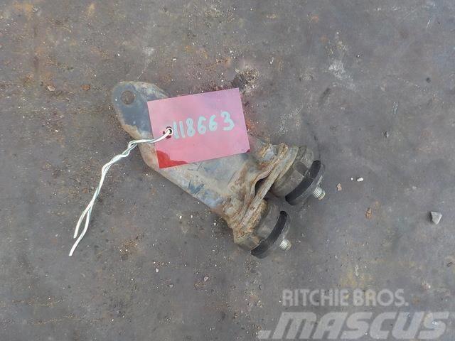DAF XF 95 Radiator bracket 221438