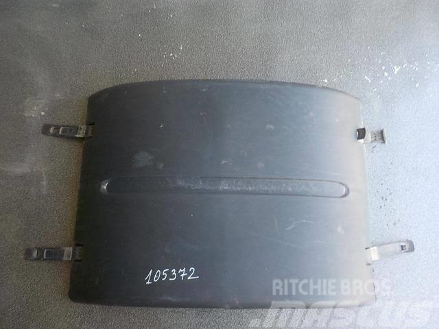 MAN TGA Fender rear / upper part 81664106086 XXL520