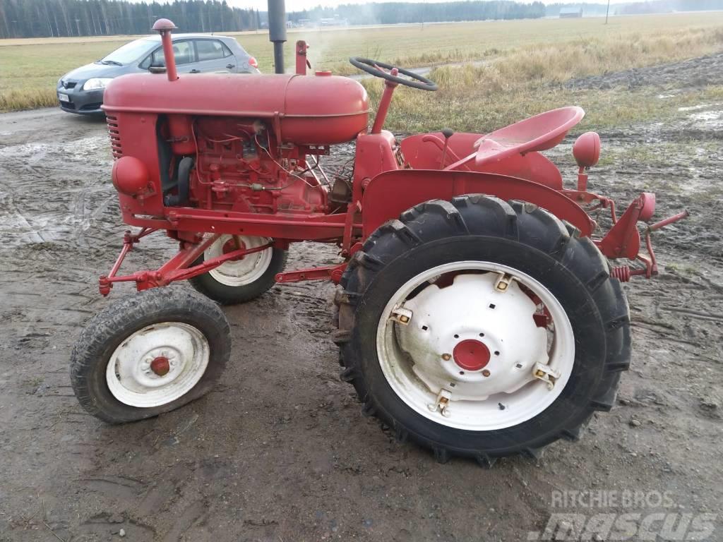 Massey Ferguson Harris Pikkutraktori / Small tractor - Harvinainen