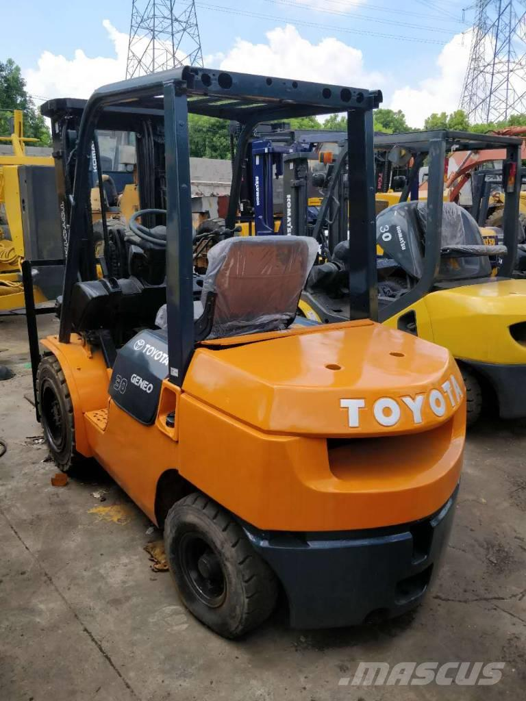 Toyota 2015 hot sale 3 tons forklift