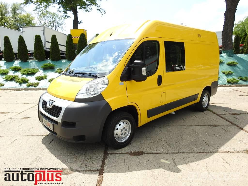 used peugeot boxer furgon doka 7 miejsc serwis tempomat panel vans year 2012 price 12 746 for. Black Bedroom Furniture Sets. Home Design Ideas