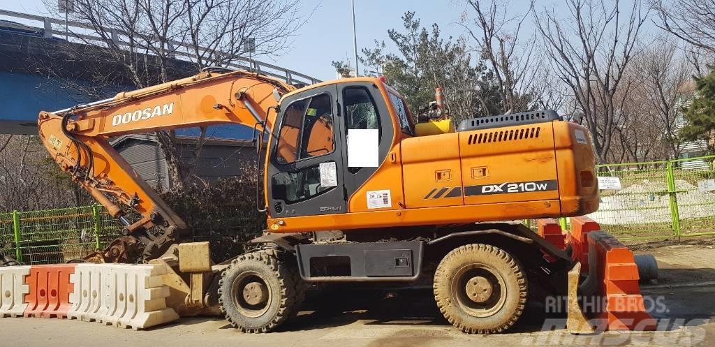 Doosan DX 210 W