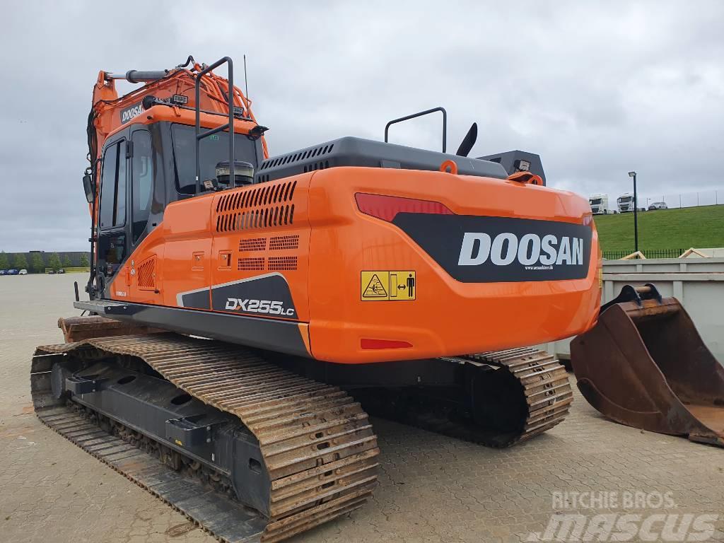 Doosan DX 255 LC-5 plus 3x Löffel