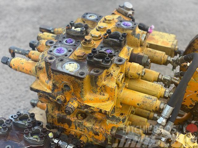 Komatsu PC400LC-5 HYDRAULIC BLOCK