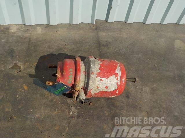 MAN TGA Spring brake cylinder 81504106733 81504106732