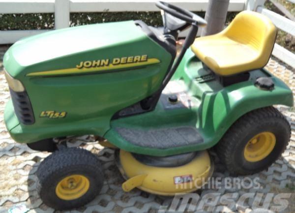 John Deere LT155