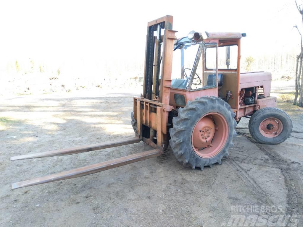 Valmet 565 trukkitraktori - VIDEO