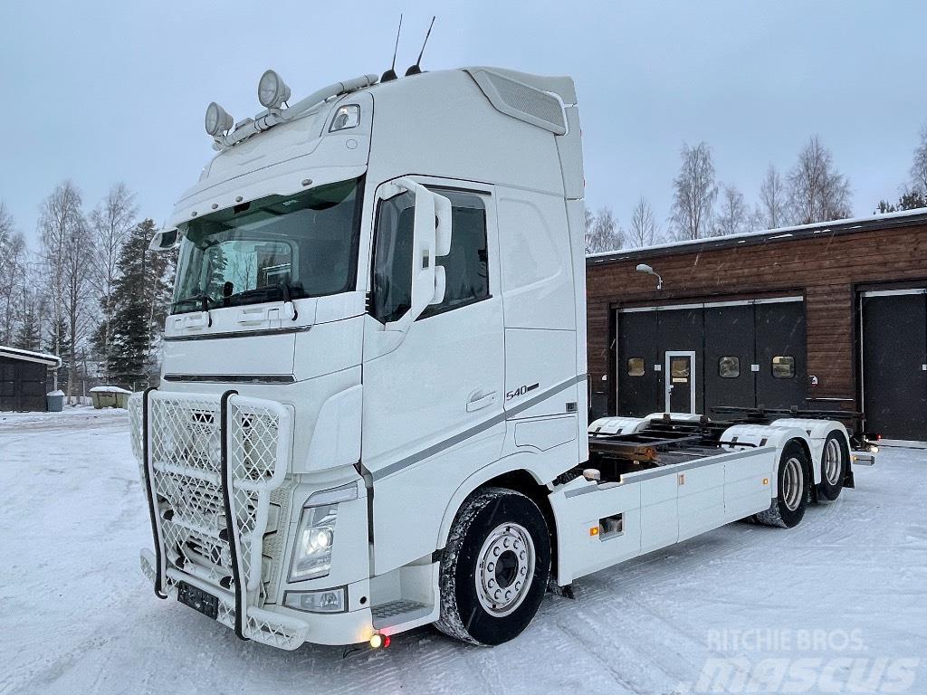 Volvo FH540XL 6x2 konttilaitteilla
