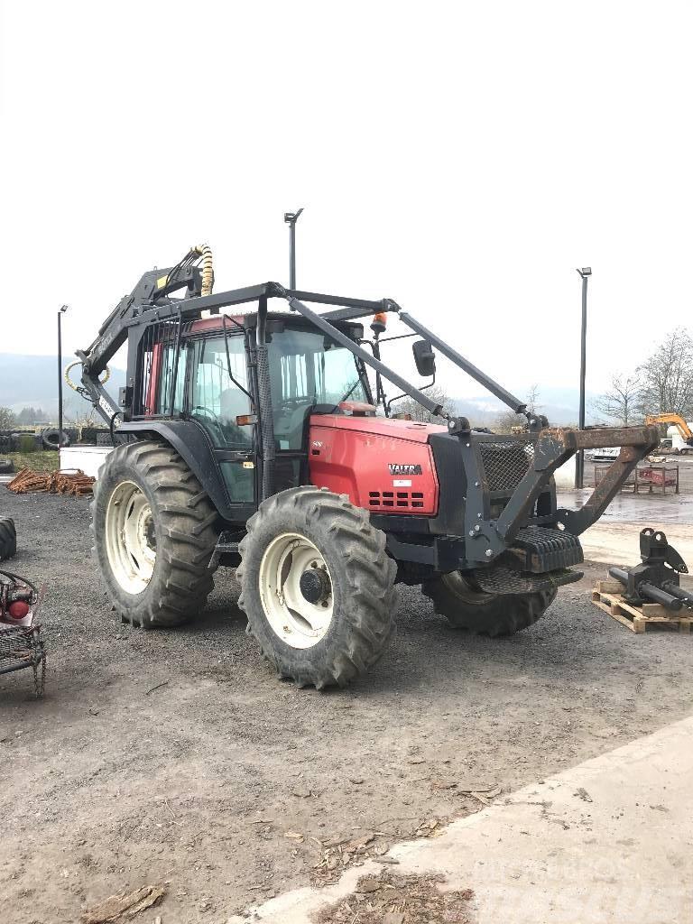 Valtra 6400 c/w 2014 Botex 560