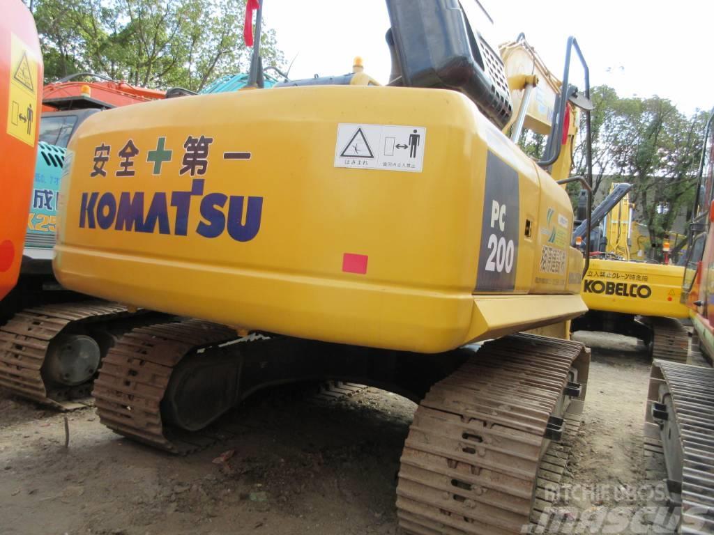 Komatsu PC200-8