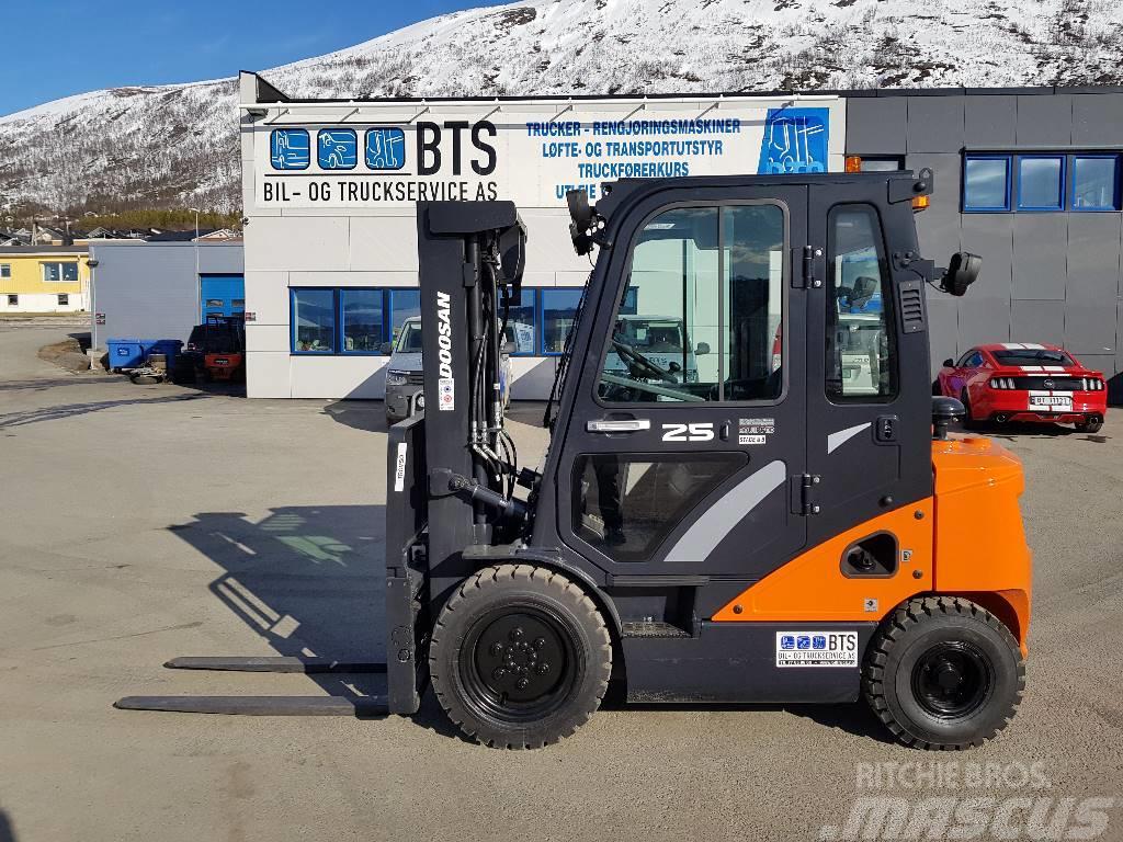 Doosan D25S-7 - 2,5 t dieseltruck (SOLGT)