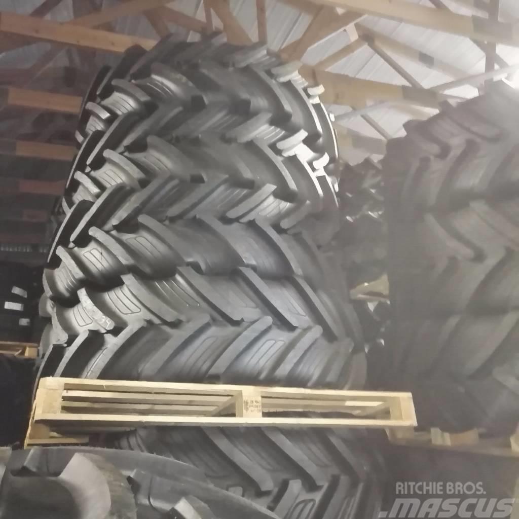 [Other] Traktori renkaita