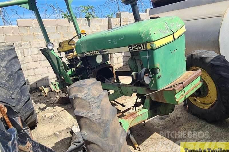 John Deere 2251 4WD Tractor
