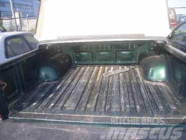 Toyota HILUX DOUBLE CABIN, 2002, Personbilar