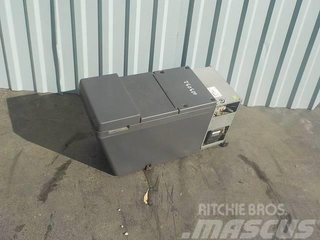 Iveco Stralis Cooler box 500389833
