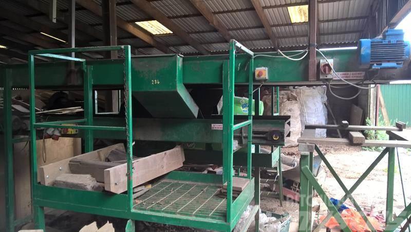 Nicholson Inspection conveyor